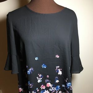 Elle black floral blouse. Women's Large